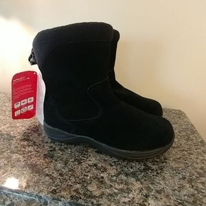 NWT.  LLBean Insulated Comfort Winter Boots